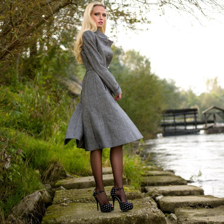 coat_elegant_classic_woman_organic_bespoke_fairtrade_handmade_classic_tailored