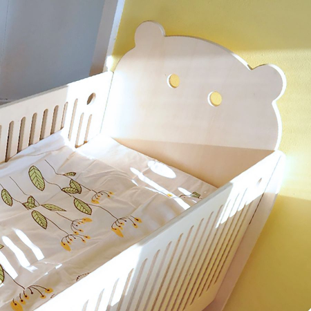 natural_wood_bed_toxicfree_fairtrade_slovenia_vintage_bear_fun_vegan_baby